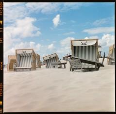Beached (Roaring.Images) Tags: film analog mediumformat 120film yashicamat124g fujipro400h 6x6 tlr fujifilm filmphotography shootfilm tetenal c41 mediumformatfilm