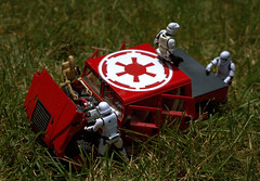 Troopers-Stuck_Livonia-MI_07-13-2019o (Count_Strad) Tags: stormtroopers storm trooper firstorder kylo starwars figures stormtrooper