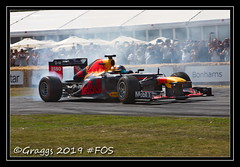 IMG_0548 (Graggs) Tags: heritage cars sport festival race speed climb hill f1 racing fos goodwood racer festivalofspeed 2019 red out smoke bull burn donut tyre