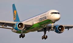 UK75701 - Boeing 757-23P - LHR (Seán Noel O'Connell) Tags: uzbekistanairways uk75701 boeing 75723p b757 b752 757 heathrowairport heathrow lhr egll tas uttt hy201 uzb201 aviation avgeek aviationphotography planespotting