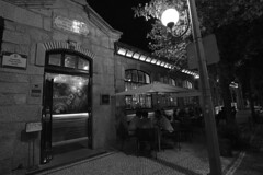 A warm summer night (lebre.jaime) Tags: portugal beira covilhã people conviviality café nightphotography nocturnal digital fullframe ff fx bw blackwhite noiretblanc pb pretobranco schwarzweis sw ptbw nikon d600 nikkorafs1735f28d affinity affinityphoto