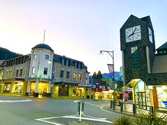 It's a quiet morning time in #Queenstown #City, it won't last long, before skiers and snow boarders occupying streets catching bus and transport to the snow resort. #Winter #KiwiTrip to #Kiwiland #KiaOra #DownUnder #NZ #PureNewZealand #NewZealand (yongki_milanda) Tags: instagramapp square squareformat iphoneography uploaded:by=instagram