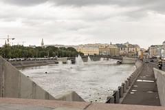 (lemank) Tags: moscowsummer2019 moscowwalk riverbank vodootvodnycanal luzhkovbridge