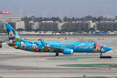 Alaska Airlines (So Cal Metro) Tags: airline airliner airplane aircraft aviation airport plane jet lax losangeles la alaska alaskaairlines 737 737900 739 boeing n318as disneyland