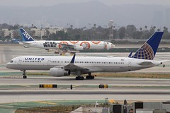 United (So Cal Metro) Tags: airline airliner airplane aircraft aviation airport plane jet lax losangeles la united 752 757 757200 n17133 allnippon ana allnipponairways 777 ja789a starwars unitedairlines ual