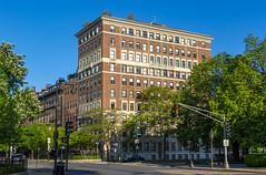 Beacon & Arlington (Eridony (Instagram: eridony_prime)) Tags: boston suffolkcounty massachusetts backbay