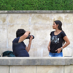 Close-up of the first Spanish model (pivapao's citylife flavors) Tags: paris france trocadero girl beauties fashion photographer