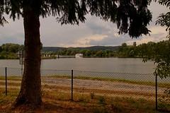 Kreuzhofidylle (johannroehrle) Tags: kreuzhof krajobraz regensburg river rzeka rasen deutschland donau danube donarea dunaj wolken wasser water clouds chmury a58 sony