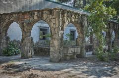 Patio con arcos (pedroramfra91) Tags: exteriores outdoors jardin garden arquitectura architecture