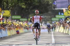 10810328-126 (Lotto Soudal Cycling Team) Tags: cycling cyclisme etape france frankrijk letour letourdefrance protour race rit road ronde rondevanfrankrijk route sport stage tdf tdf2019 tour uci wegrit wielerwedstrijd wielrennen worldtour nicovereecken 2019 saintetienne