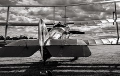 WW1 Tri-plane (mickb6265) Tags: oldwarden shuttleworthcollection bedfordshire bedford militaryairshow2019 sopwithtriplane replica n6290 gbock