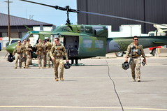 40th HS Bell UH-1N Iroquois / Aircrew (Wing attack Plan R) Tags: uh1n bellhelicopters iroquois huey malmstromafb usaf 40thhelicoptersqdn 582ndhelicoptergroup aircrew