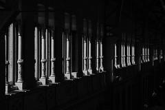 Buenas Dias Madrid (aperture one) Tags: shadow architektur building window europa abstrakt monochrom abstract city schwarzweis sw gebäude structure säulen bw urban spain blackwhite schatten schattenspiel pillar fenster stadt madrid geomtrie europe geometry architecture