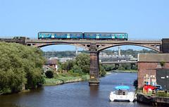 150251. (curly42) Tags: 150251 class150 1502 sprinter dmu unit railway transport tfw transportforwales frodsham viaduct river publictransport