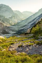 Valley in the Karwendel mountains (cygossphotography) Tags: karwendel lamsenjoch lamsenspitze berge gebirge mountain mountainrange montagne tirol tyrol österreich austria autriche landschaft landscape paysage tal valley vallée sonnenlicht sonnenstrahlen sunlight rayonslumineux goldenestunde goldenhour heuredorée canon eos 6d
