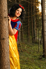 Innocent snow white (williHasDreams) Tags: snowwhite snowwhitecosplay snowwhiteandthesevendwarfs tree forest tyrol tirol instagood photooftheday beautiful art photography photo photos pic pics picture pictures peoplephoto cosplay cosplayers cosplayer cosplaylife cosplaygirl cosplayphotography cosplaying