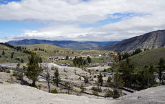 Mammoth Hot Springs - Yellowstone National Park, WY (SomePhotosTakenByMe) Tags: panorama mammothhotsprings mammoth wyoming yellowstone nationalpark yellowstonenationalpark outdoor trail hike wanderung usa america amerika unitedstates natur nature landscape landschaft calcareoussinter sinterterrasse sinter