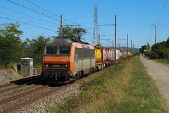 Droit vers le Sud pour ce combiné (railmax07) Tags: train ferroviaire bb26000 beton conteneurs combiné kombiverkehr stiringwendel perpignan allemagne espagne larochedeglun