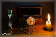 2398 - Copper and wood by candlelight (wibra53) Tags: 2019 candle horloge hourglass houtenkoper kaars oldmaster oudemeesters stilllifephotography stilleven watch woodandcopper zandloper