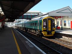 158958 Paignton (2) (Marky7890) Tags: gwr 158958 class158 expresssprinter 2f25 paignton railway devon rivieraline train