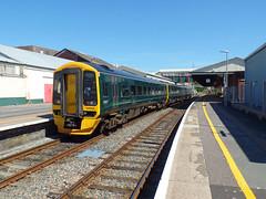 158958 Paignton (1) (Marky7890) Tags: gwr 158958 class158 expresssprinter 2f25 paignton railway devon rivieraline train
