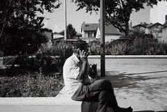 Place Victor Balland. (brumpicts) Tags: photographiederue streetphotography photographieurbaine urbanphotography noiretblanc blackandwhite argentique analogphotography kodaktmax rolleiprego125 placevictorballand cusset 69100 villeurbanne rhône auvergnerhônealpes france lyonurb brumpicts frédéricbrumby
