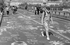 roll781_23 (redspotted) Tags: extinctionrebellion film kentmere400 leicam6 leicasummicron50mmf2type3 posttoflickr protest roll781 scan