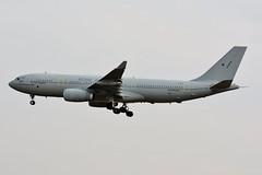 ZZ338 Airbus KC2 Voyager A330-243MRTT Royal Air Force (LIL/LFQQ) (geoffrey.zdcki) Tags: zz338 airbus kc2 voyager lil lfqq lille landing lilleairport royalairforce a330 a330243 mrtt nikon commemorations canada aviation