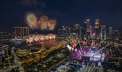 NDP 2019 Fireworks @ Marina Bay, Singapore (gintks) Tags: gintaygintks gintks singapore singaporetourismboard singapur fireworks lue hour river reflection skyscapper building colour colourful vibrant lighting fountain nightscape cityscape urban marina bay marinabaysg