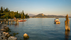 Lago di Garda. (de.bu) Tags: landscape landschaft italien italy lagodigarda gardasee garda puntasanvigilio sunset sunny longexposuretime olympus mzuiko12100f4 em1 europe europa nature