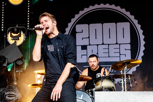 Hands Like Houses at 2000 Trees 2019DSC_3432