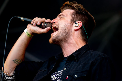 Hands Like Houses at 2000 Trees 2019