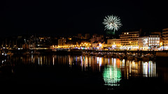 Green sparkles over the harbor (Foufourquemin) Tags: harbor cherbourg normandy cotentin water boat reflection firework lights night towncenter town buildings