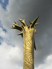 Golden Tree (simonannable) Tags: nottingham universityofnottingham art gold tree trunk fujifilmxt2 fujifilm27mm sky image background scene totem pole fujifilm photo uk artwork