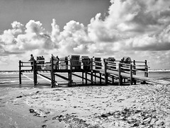 Nordsee Träumereien (sabesan78) Tags: 5sterne blackandwhite new peaceful nice northsee germany clouds white black dramatic summer day windy relaxing art