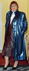 Birgit029156 (Birgit Bach) Tags: coat mantel shiny glänzend suit kostüm leather leder pleatedskirt faltenrock ruffledblouse rüschenbluse