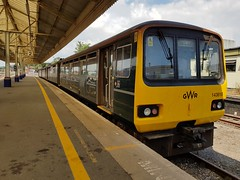 143618+143617 (Conner Nolan) Tags: 143617 143618 class143 pacer exeterstdavids greatwesternrailway