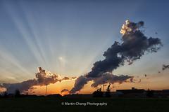 Sunset (Martin Chang Photography) Tags: canada martinchangphotography nikon mississauga on sunset sunandclouds raysoflight