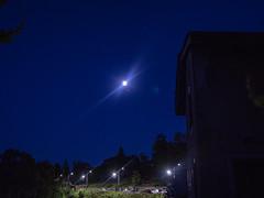 la lune à l'heure bleue13 juillet 2019   lightroom_-17 (lucile longre) Tags: lune juillet été heurebleue yzeron montsdulyonnais rhône auvergnerhônealpes paysage nature ciel astrophotographie soir crépuscule
