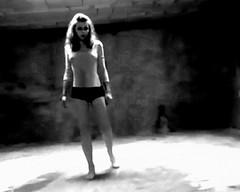 Dance ¬ 5617 (Lieven SOETE) Tags: feminine young jovem jóvenes junge joven jeune weiblich féminine 女士 femminile woman modern lady female donna dance mujer ballerina body danza femme mulher tänzer dancer danse moderne corps tanz mulheres frau dança baile vrouw moderno moderna krasnodar corpo bailarina cuerpo жена девушки dançarina körper danseuse ballerine женщина девушка balerina γυναίκα tänzerin danzatrice краснодар современный contemporary sensual seduction sensuality temptation seductive sensuel sensualidade contemporain sensuale sinnlich sensuell hedendaags sensualita zeitgenössisch contemporánean