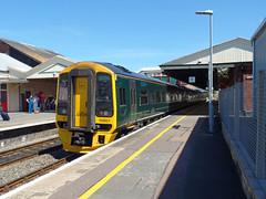158957 Paignton (1) (Marky7890) Tags: gwr 158957 class158 expresssprinter 2c67 paignton railway devon rivieraline train