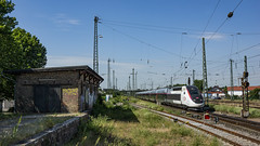 TGV Biblis (Albert Koch) Tags: tgv sncf inoui alstom duplex biblis germany train railway sky
