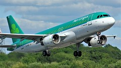 EI-DEE (AnDyMHoLdEn) Tags: aerlingus a320 egcc airport manchester manchesterairport 23l