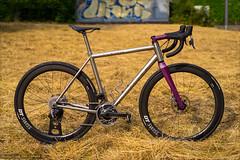 No. 22 Bicycles Drifter (Torsten Frank) Tags: barmen bergischesland deutschland erc1400spline47 fahrrad gravelbike laufrad no22bicycle no22drifter nordrheinwestfalen redetapaxs rennrad sram schaltgruppe wuppertal dtswiss bike bicycle titanium