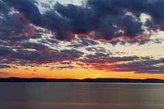 Coucher de soleil / Sunset IMG_8096[5838] (salmo52) Tags: paysage rivièreduloup fleuvestlaurent belvédère aubergedelapointe coucherdesoleil brume baslaurent