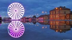 The wheel keeps turning | Das Rad dreht sich immer weiter (swordsweeper) Tags: stettin szczecin riesenrad ferriswheel polen polska poland hafenstadt oder spiegelung stadt city town