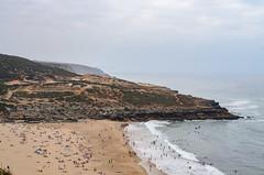 DSC_2033 (TeylorDelight) Tags: sky people beach clouds landscape sand areia paisagem ocean mar horizon wave horizonte onda sintra ericeira fozdolisandro linhadooeste