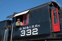 Engineer Brett Goertemoeller (jterry618) Tags: 280 alcopittsburg1906 americanlocomotivecompany brettgoertemoeller dmir332dne28 dmn332dmir332dne28 duluth duluthnortheastern duluthmissabeironrange lsrm lakesuperiorrailroadmuseum minnesota northshorescenicrailroad servicingattheshop