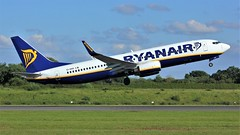 EI-DHO (AnDyMHoLdEn) Tags: ryanair 737 egcc airport manchester manchesterairport 23l