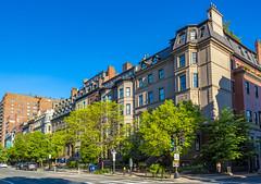 Beacon Street Houses (Eridony (Instagram: eridony_prime)) Tags: boston suffolkcounty massachusetts backbay house houses rowhouses townhouses townhomes
